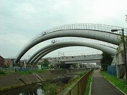 田園都市線と横浜水道水道橋