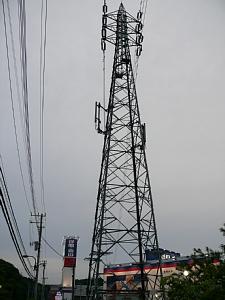 多摩境駅そばのau基地局